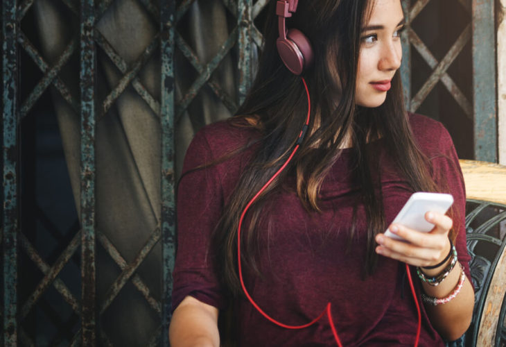 5 Podcasts By Latinas You Don't Wan't to Miss